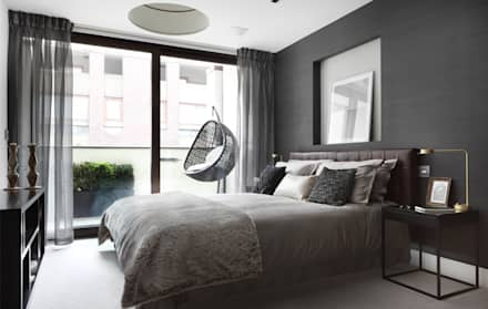 Roman House: Modern Bedroom By The Manser Practice Architects + Designers
