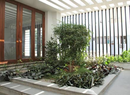 3G HOUSE – UMA SURESH: modern Garden by Muraliarchitects
