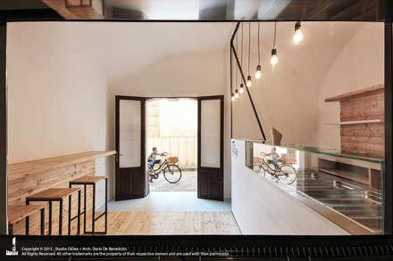 U Coppu: Negozi & Locali commerciali in stile  di Studio DiDeA architetti associati