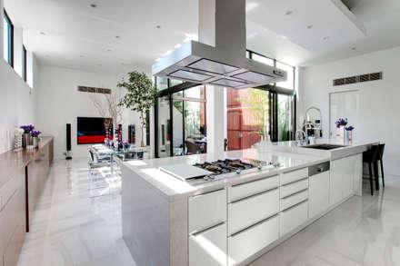 美しいダイニングキッチン: TERAJIMA ARCHITECTSが手掛けたキッチンです。