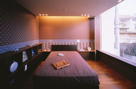 MASTER BED ROOM  | 百日紅の家 | RC造高級注文住宅: Mアーキテクツ|高級邸宅 豪邸 注文住宅 別荘建築 LUXURY HOUSES | M-architectsが手掛けた寝室です。