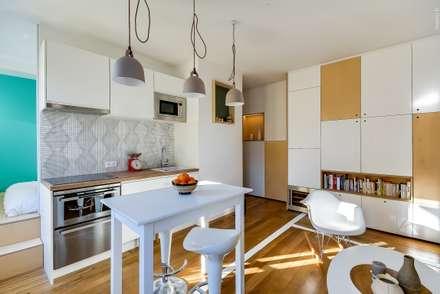 Appartement parisien: Cuisine de style de style Moderne par Meero