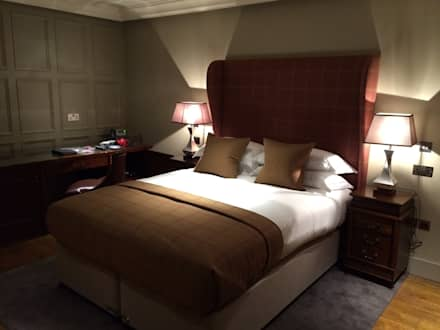 Raeburn Internal Bedroom :  Hotels by Aitken Turnbull Architects