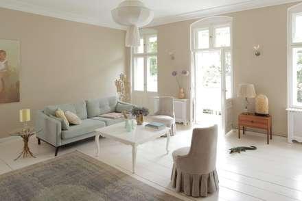 Wohnzimmer: klassische Wohnzimmer von CARLO Berlin - Architektur & Interior Design