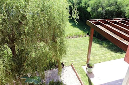 desniveles: Jardines de estilo moderno por BAIRES GREEN
