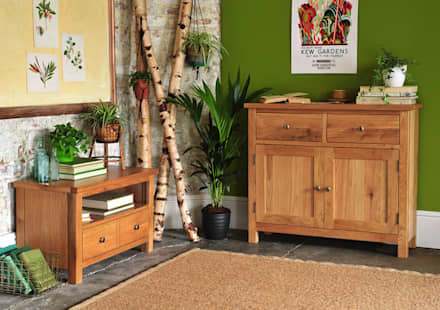Sterling Oak Small Sideboard & TV Unit: country Living room by The Cotswold Company