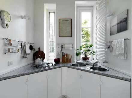 ห้องครัว by ARCHITETTO MARIANTONIETTA CANEPA