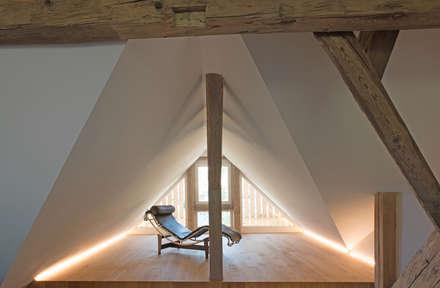 Jardines de invierno de estilo moderno por heim+müller Architektur