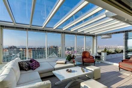 Loft à Paris: Terrasse de style  par Meero