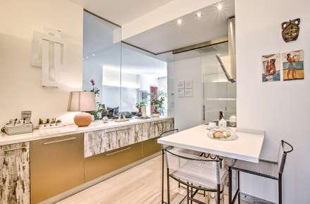 Cucina: Cucina in stile in stile Eclettico di GHINELLI ARCHITETTURA