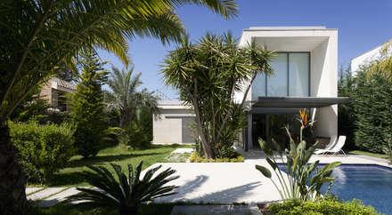 modern Garden by Málek Murad y María García Estudio de Arquitectura