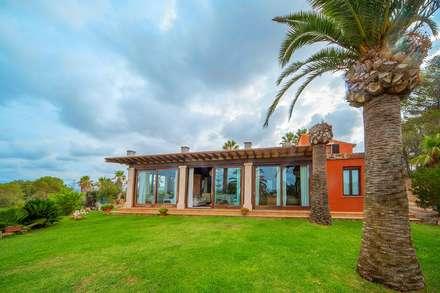 Villa S'Aranjassa: Casas de estilo colonial de Lola