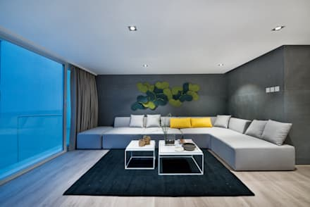Magazine editorial - House in Sai Kung by Millimeter: modern Living room by Millimeter Interior Design Limited