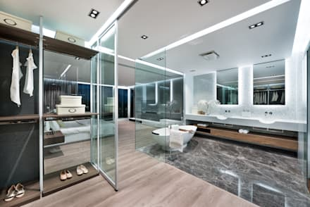 Magazine editorial - House in Sai Kung by Millimeter: modern Bathroom by Millimeter Interior Design Limited