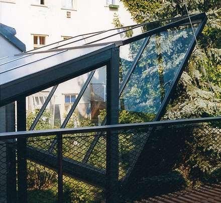 hubklapptor: industrialer Wintergarten von allmermacke
