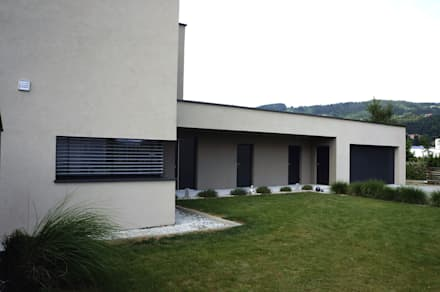 Ansicht Garage Einfamilenhaus S.: moderne Garage & Schuppen von up2 Architekten