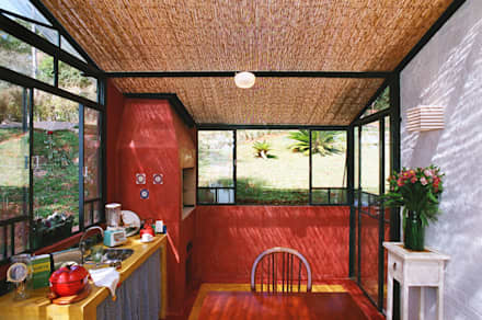 country Kitchen by Célia Orlandi por Ato em Arte