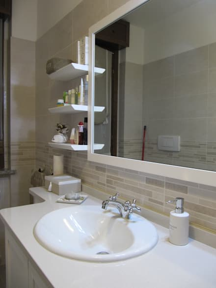 Colonial style bathroom design ideas pictures homify for Colonial bathroom ideas