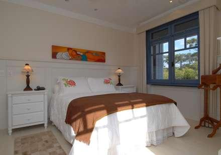 colonial Bedroom by Finkelstein Arquitetos