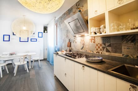 مطبخ تنفيذ Alessandro Corina Interior Designer