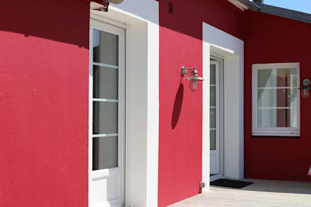Une rénovation à la bretonne...: Maisons de style de style Moderne par Ad Hoc Concept architecture