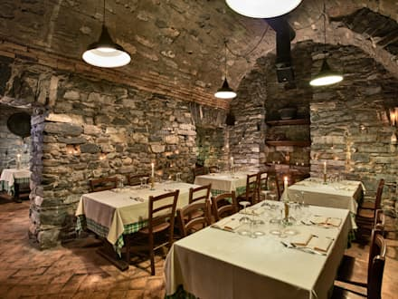 Crotto/ Cantina: Cantina in stile In stile Country di Franco Monti Fotografo