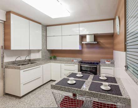 Apartamento Holanda: Cozinhas modernas por Carmen Calixto Arquitetura