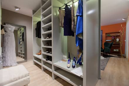 غرفة الملابس تنفيذ ÀS DUAS POR TRÊS