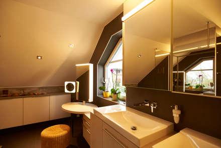 badezimmer ideen inspiration homify. Black Bedroom Furniture Sets. Home Design Ideas