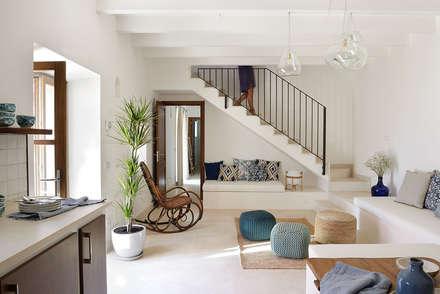 Ruang Keluarga by Bloomint design