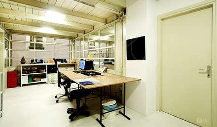 PA headquarter: Sedi per eventi in stile  di Principioattivo Architecture Group Srl
