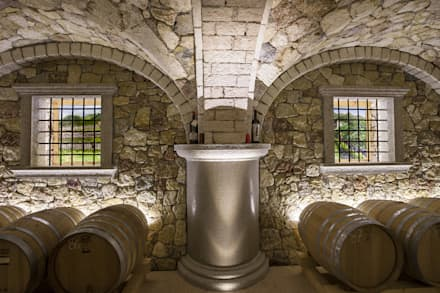 rustic Wine cellar by Quintarelli Pietre e Marmi Srl