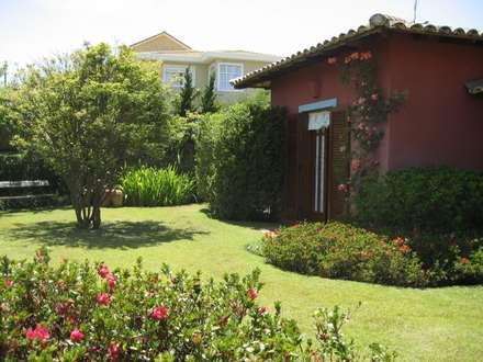 สวน by Junia Lobo Paisagismo