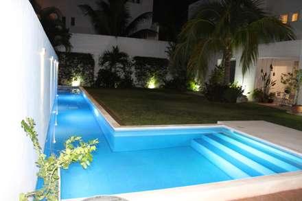 Casa habitacion en en Cozumel Quintana Roo: Albercas de estilo minimalista por A2 HOMES SA DE CV