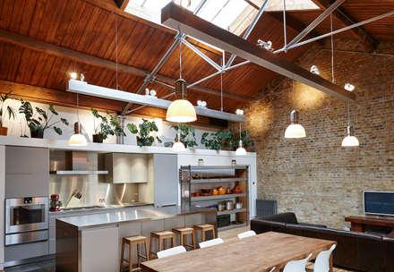 Quebec Way, Haggerston: modern Kitchen by Rousseau