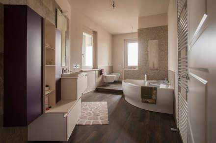 Progetto: Bagno in stile in stile Moderno di Paolo Cavazzoli