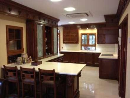 Montaje Cocina: Cocinas de estilo colonial de Montajes Bellido