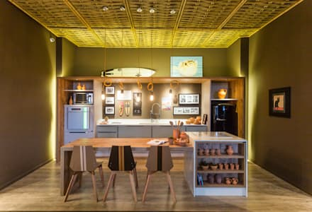 Refúgio do Homem do Mar: Salas de jantar ecléticas por Jean Felix Arquitetura