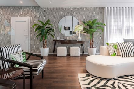 Sala Tropical Chic: tropical Living room by Movelvivo Interiores