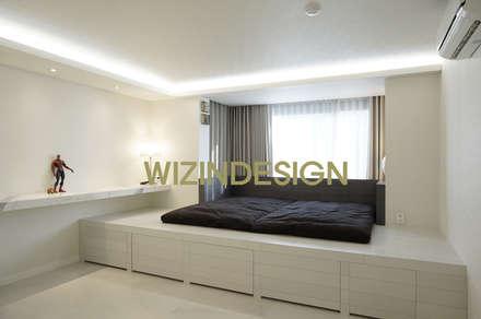 청담동 70평 아파트 : wizingallery의  침실