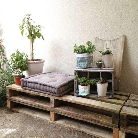 Réalisation d'un jardin paysagé et d'une façade de style scandinave.: Jardin de style de style Scandinave par Amandine Leblanc