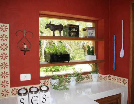 Cozinhas coloniais por FLAVIO BERREDO ARQUITETURA E CONSTRUÇÃO