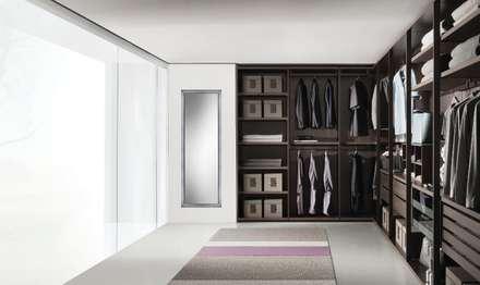 Armarios y vestidores: Vestidores de estilo moderno de Belara Interiorismo