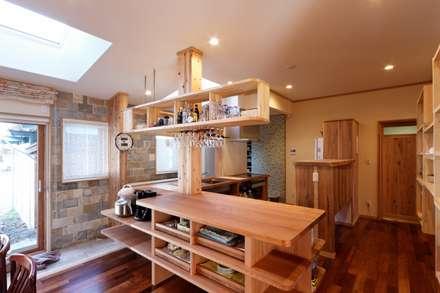 K邸 Renovation: 株式会社山崎屋木工製作所 Curationer事業部が手掛けたキッチンです。