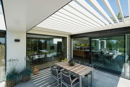Woning B Zevenbergen: moderne Huizen door BB architecten
