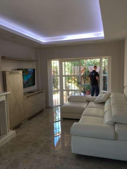 Iluminación indirectas : Casas de estilo colonial de elisea diseño interior