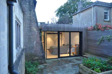Gospel Hall: modern Bedroom by Designscape Architects Ltd