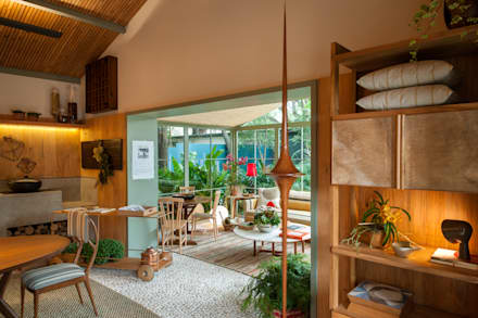 tropische Wohnzimmer von Marina Linhares Decoração de Interiores