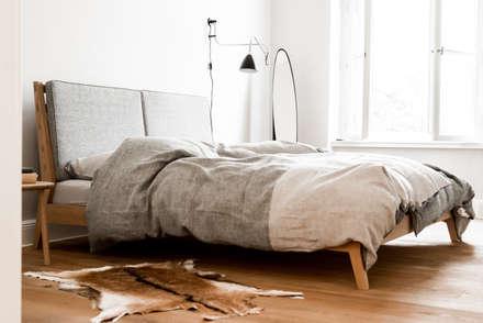 Master bedroom: scandinavian Bedroom by Loft Kolasinski
