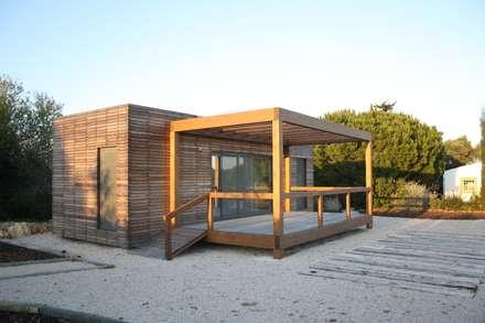Projecto Bungalow Algarve: Habitações  por goodmood - soluções de habitações